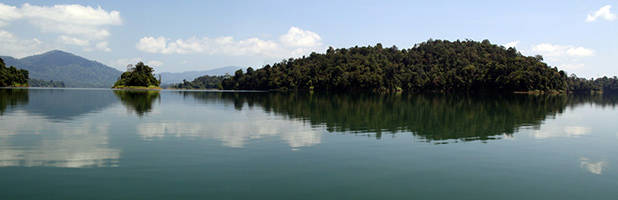Lake Kenyir panorama 2