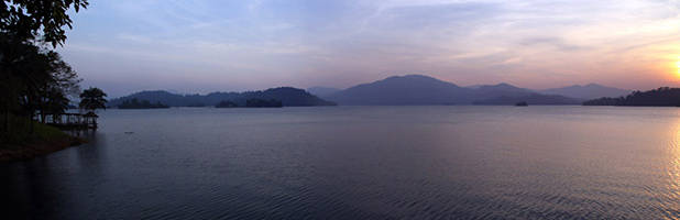 Lake Kenyir panorama 4